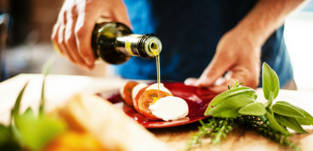 6 Things you're doing wrong with olive oil - Food24