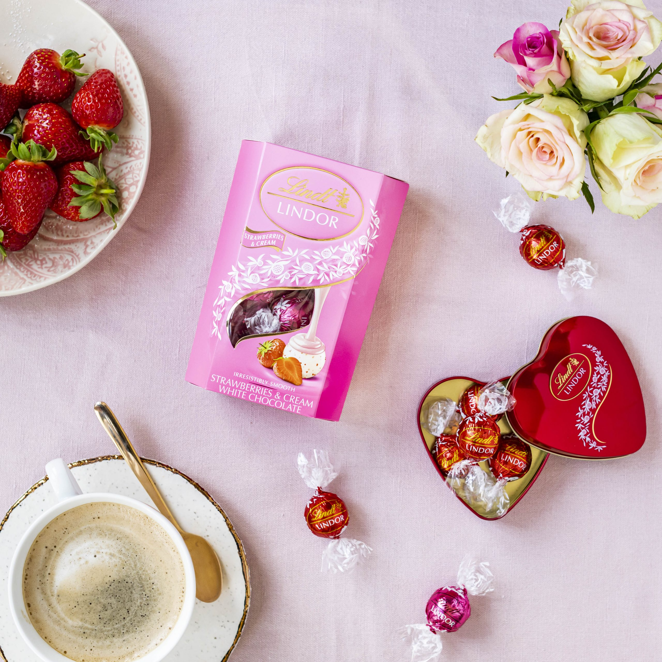 Win a luxurious chocolate hamper worth over R500 with Food24 and Lindt