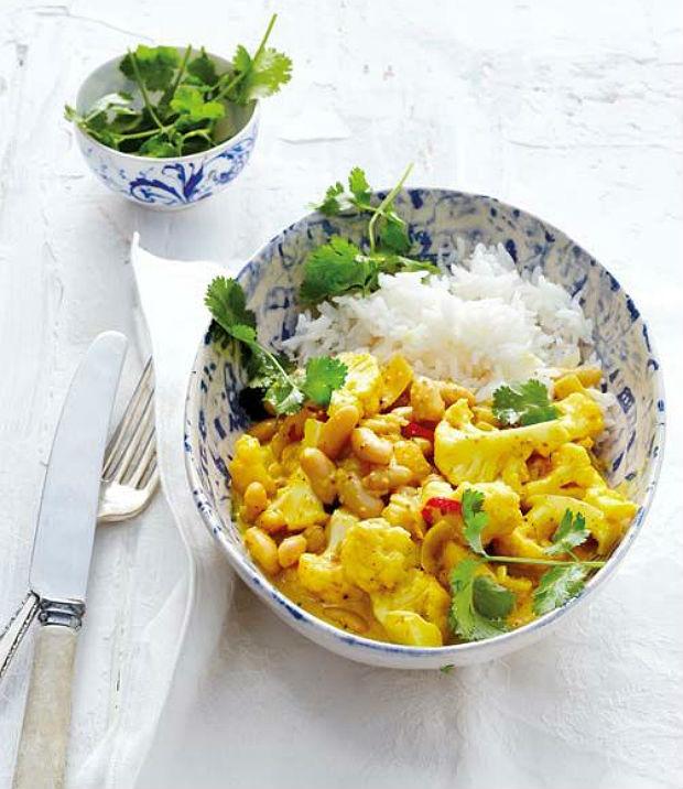 cauliflower and bean curry