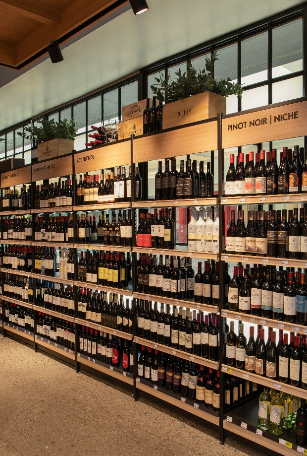 EXCLUSIVE: We share a first look of Woolworths' new liquor store that comes with a sommelier
