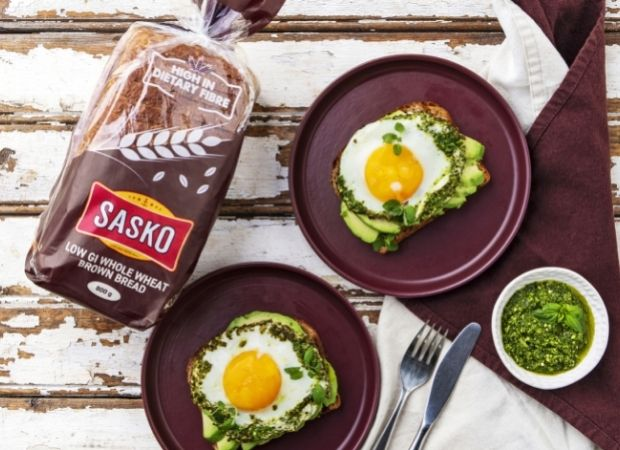 Pesto egg on avo toast
