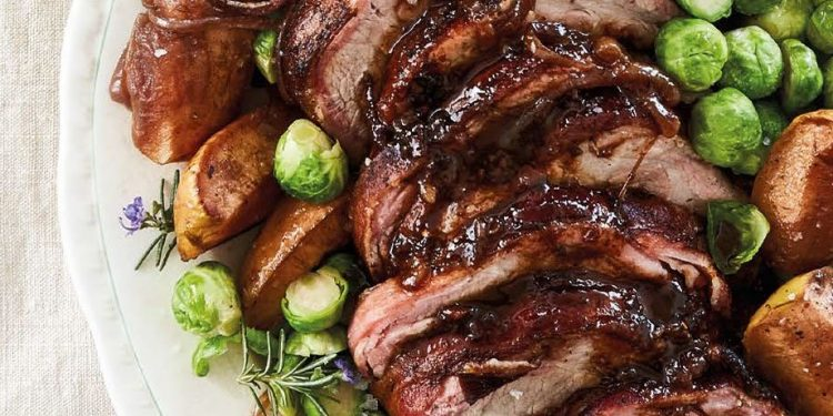 pork roast with apples and Brussels sprouts
